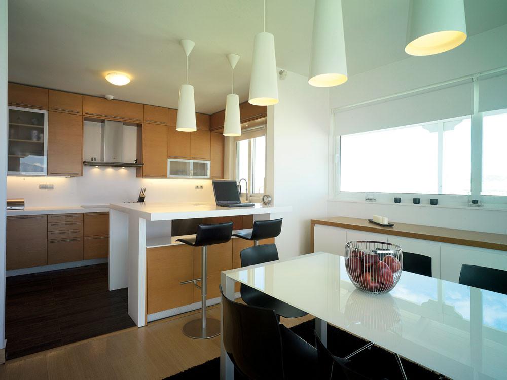 Ένα γυάλινο διαμέρισμα στη Νέα Σμύρνη με απίστευτη θέα
