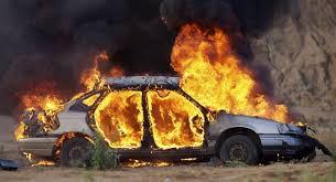 Αυτοκίνητο πήρε φωτιά στη Νέα Σμύρνη