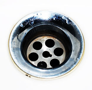 chrome-circle-close-up-droplets-220612.j