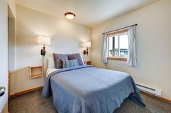 Room 11 bedroom (2)