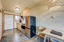 Room 9 kitchen (2)