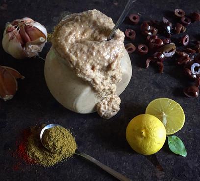 Hummus with Kalamata Olives