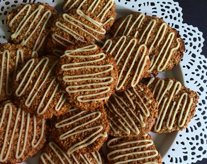 Cinnamon-Roll Oatmeal Cookies: