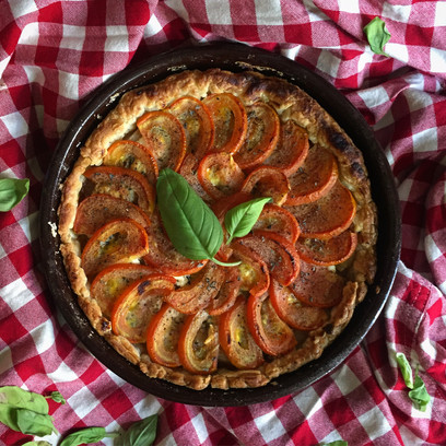Onion, Blue Cheese, Feta & Tomato Pie