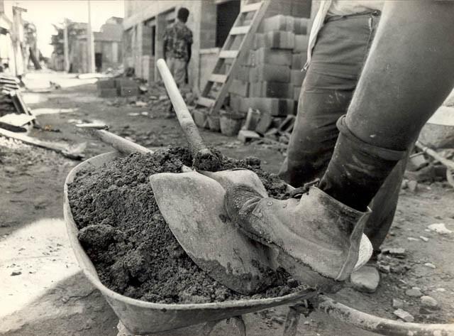 Trabalhadores_NovaHolanda_6-1991.jpg