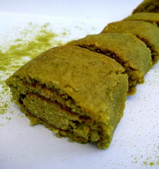 עוגיות פריכות ירקרקות נהדרות במיוחד עם אבקת גרעיני דלעת עשירה בחלבון שלנו