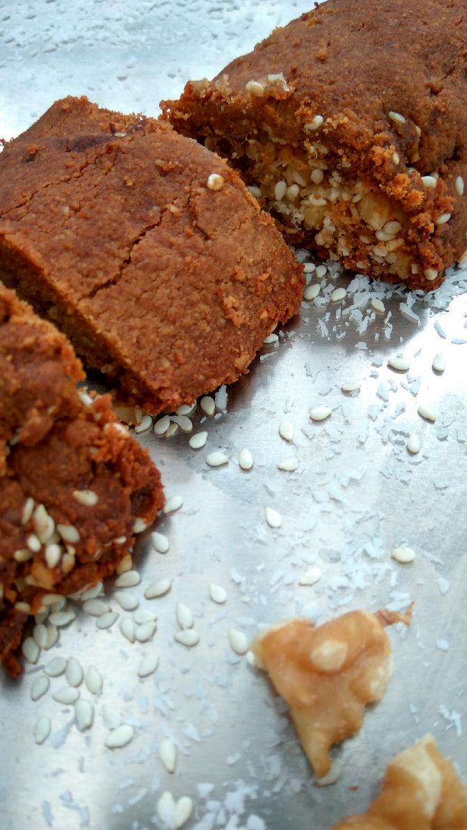 קלאסית - מעטפת פריכה שומשומית ממולאת בטוב, ללא סוכר, ללא גלוטן