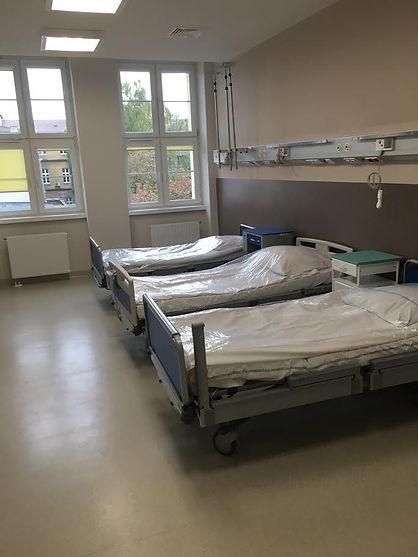 sala chorych, szpital, łózka szpitalne