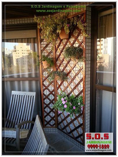 Projeto de Paisagismo em sacada feitos pela s.o.s jardinagem e paisagismo
