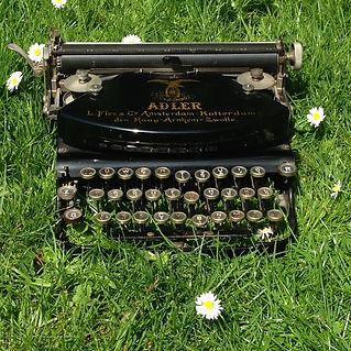 2019©HelenaJansz-typewriter.jpg