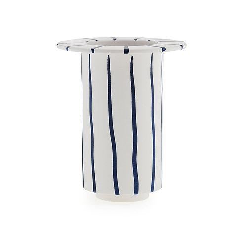 April vaas, blue stripes