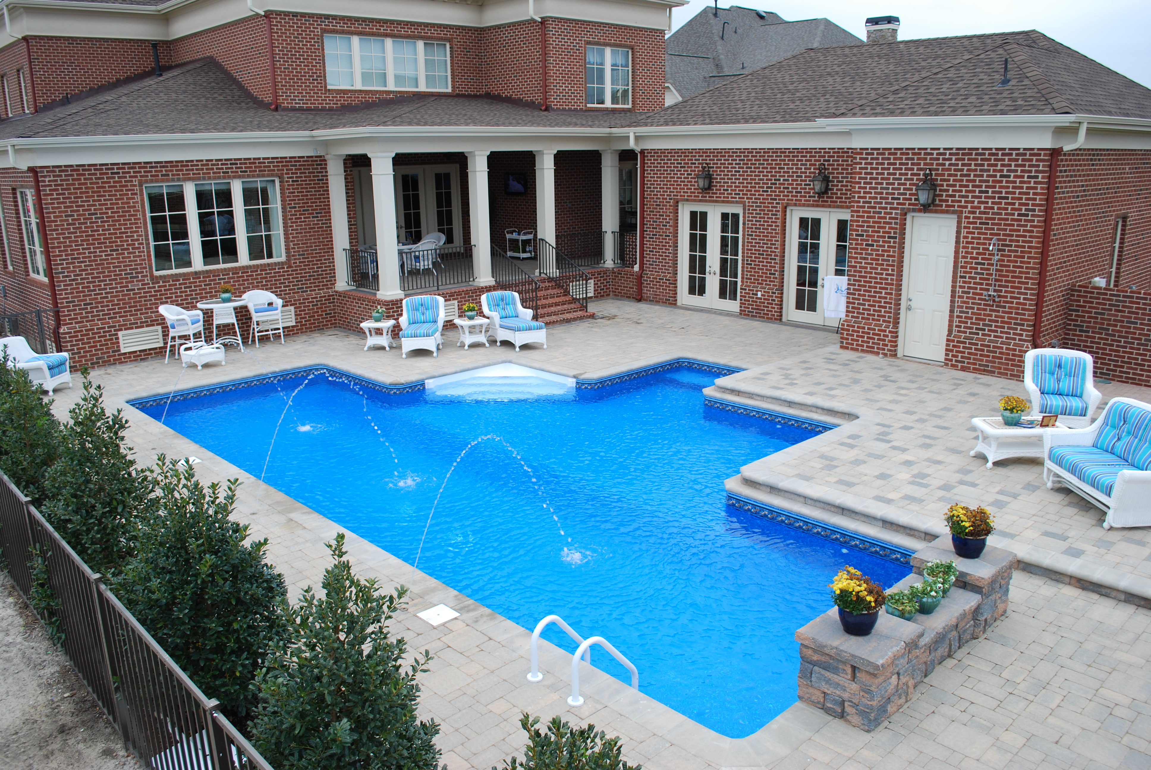 Geometric Liner pool Lap pool 1a