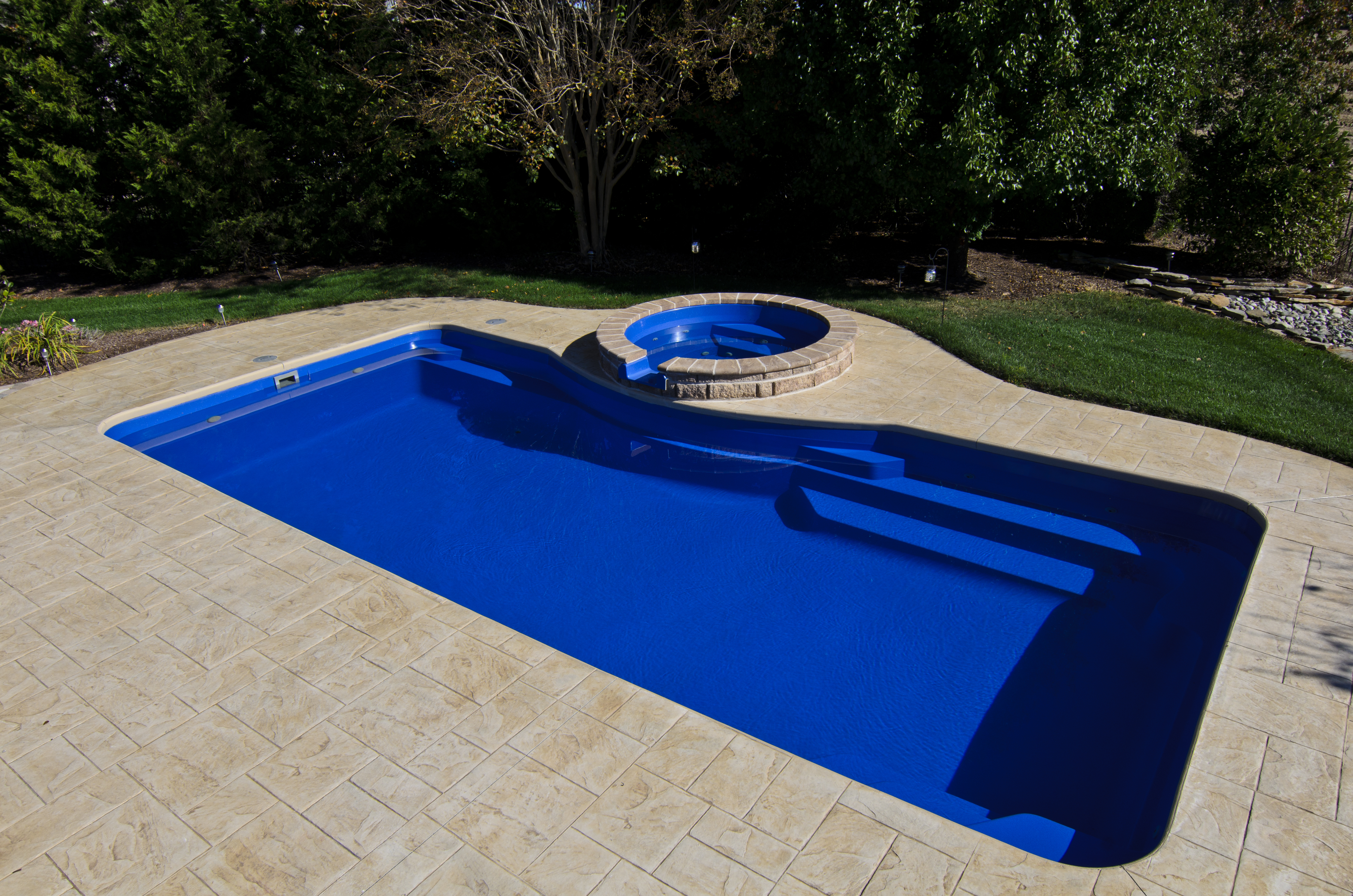 Barrier Reef fiberglass pools Grande 2b