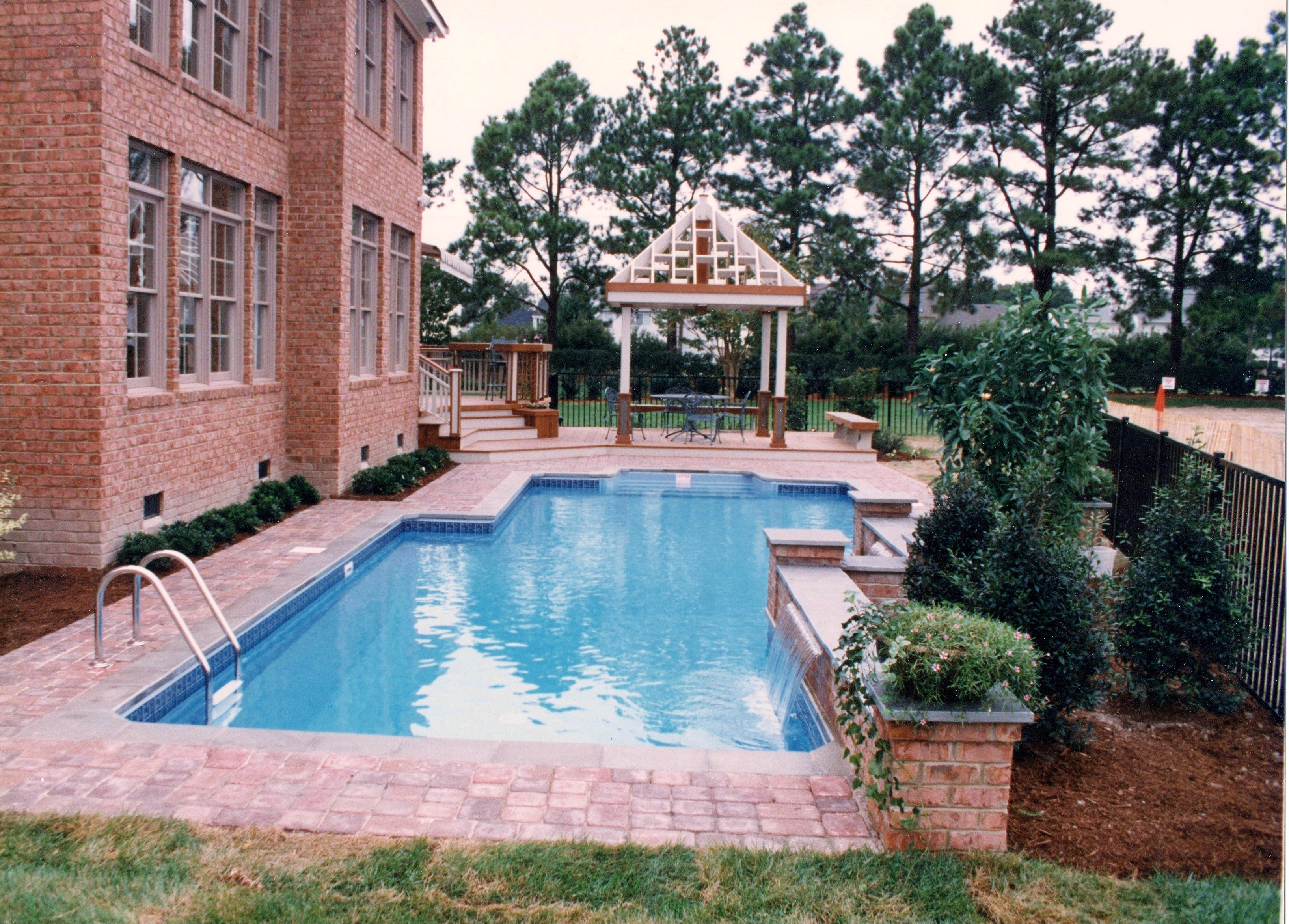 Geometric Liner pool Offset Rectangle 2