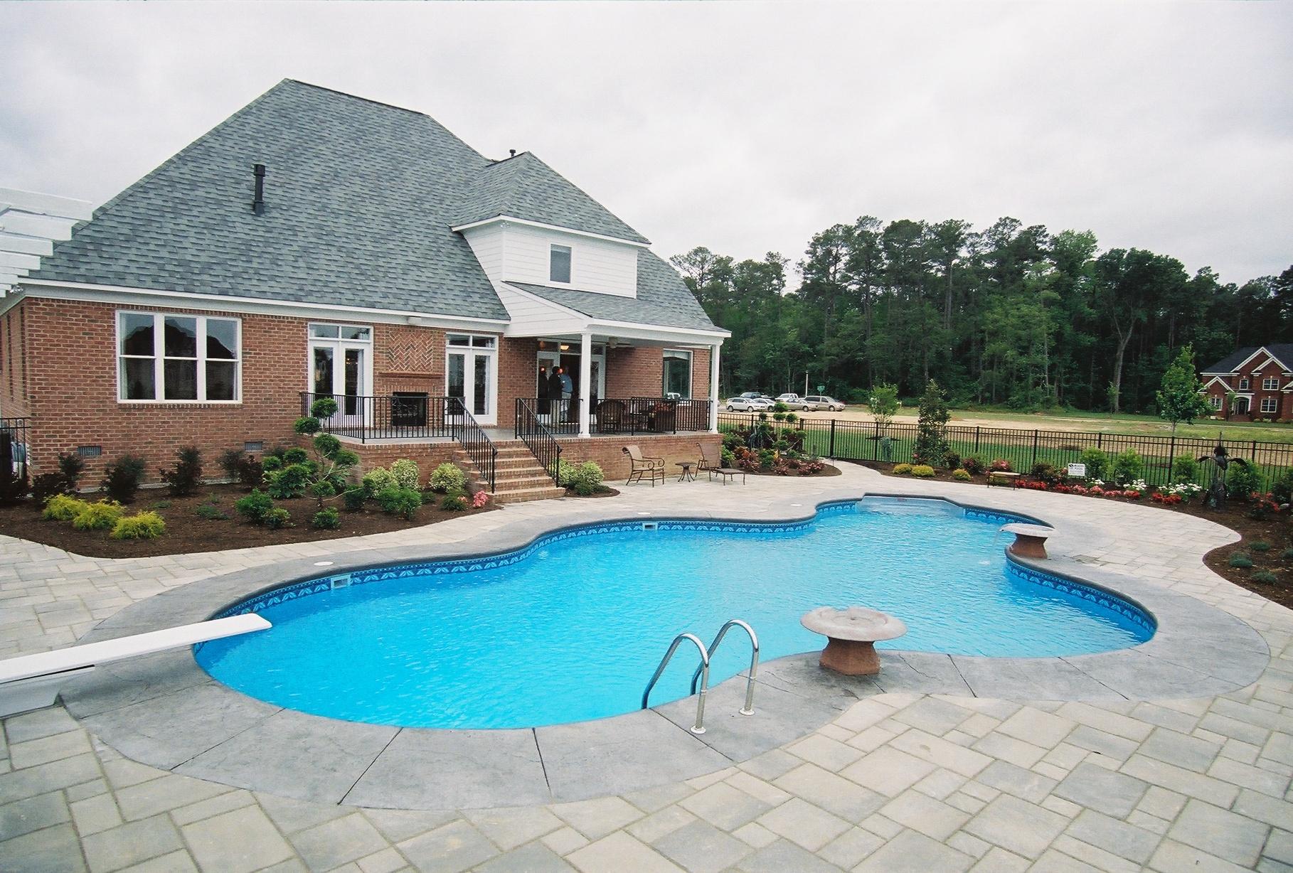 Freeform liner pool 3