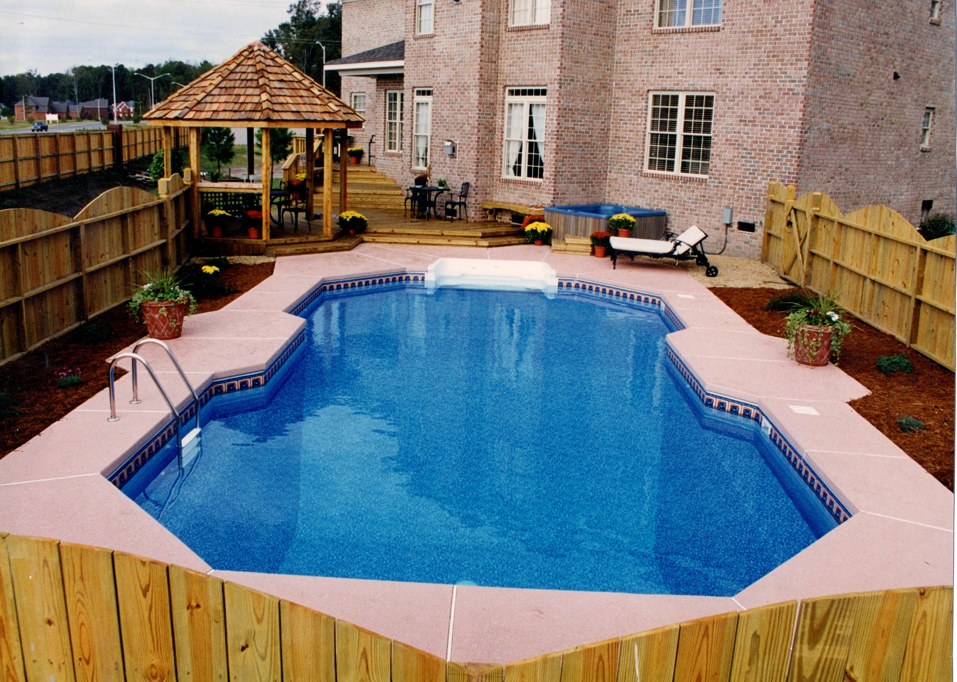 Classic liner pool 3