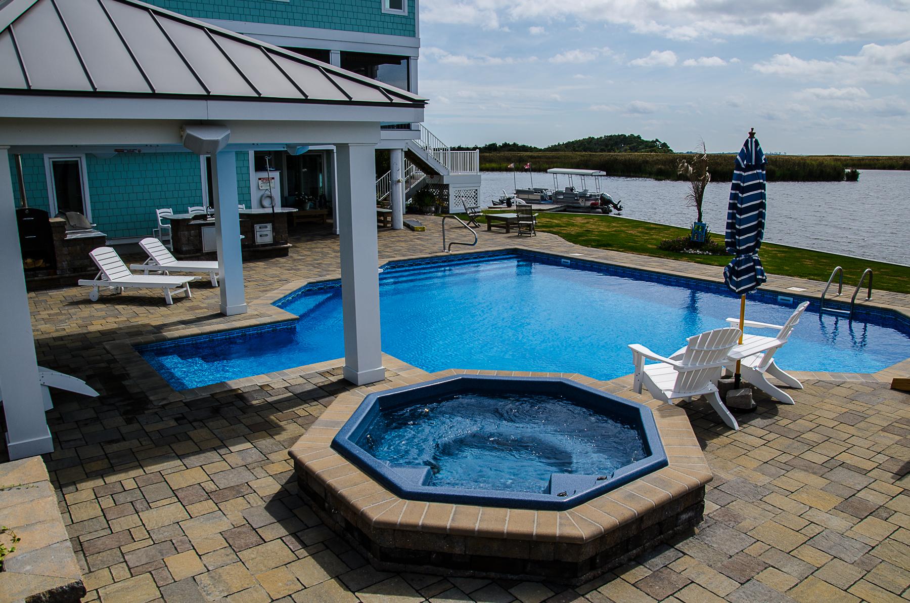 geometric liner pool 6D