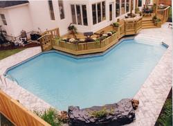 geometric liner pool 14