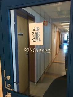 Dekor på dører for Kongsberg Maritime