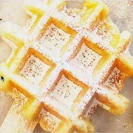 Powdered Sugar Mochi Waffle Pop