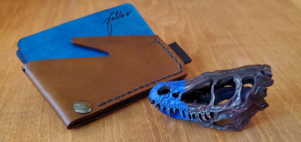 skelosaurz, paleo, leather, dinosaur, deinonychus, skull, leatherkit, diy, slimwallet, slim, wallet, trex, pattern, leather, dinosaur, fossil, tyrannosaurus, original, paleoleather, paleoart, minimalist, wallet, card, case, cardcase, vegetable, tanned, leather dinosaur, skeleton, skull, artist, leatherart, sculpture, modernist, art