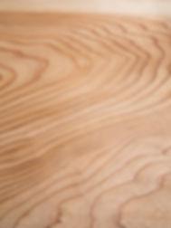 Cedar board with beautiful wood grain.jp