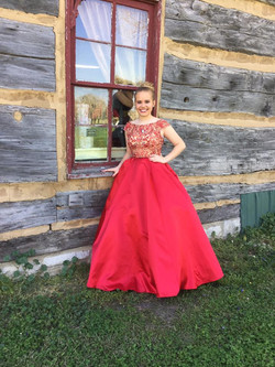 Carly Higdon prom