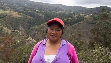 Delia María Espinoza Uyaguari es tejedora de Sombreros de Paja Toquilla (Panama Hats) y socia de MAKI FairTrade. Vive en Bacpancel, Gualaceo, Azuay, Ecuador.