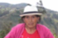 María Angeles Sapatanga Llivicura es tejedora de Sombreros de Paja Toquilla (Panama Hats) y socia de MAKI FairTrade. Vive en Bacpancel, Gualaceo, Azuay, Ecuador.