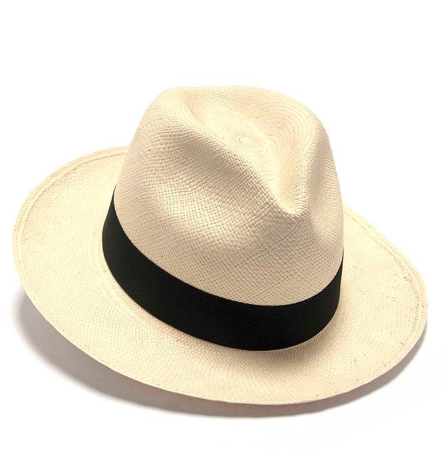Panama Hat (Sombrero de Paja Toquilla) tejido a mano por artesanas ecuatorianas.
