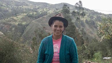 Zoila Rosa Guncay Espinoza es tejedora de Sombreros de Paja Toquilla (Panama Hats) y socia de MAKI FairTrade. Vive en Bacpancel, Gualaceo, Azuay, Ecuador