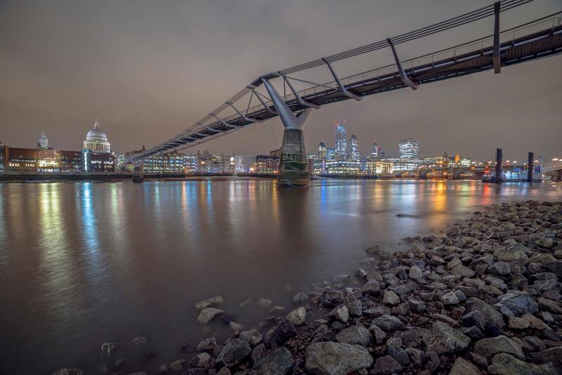 Millennium Bridge wide angle lens at night