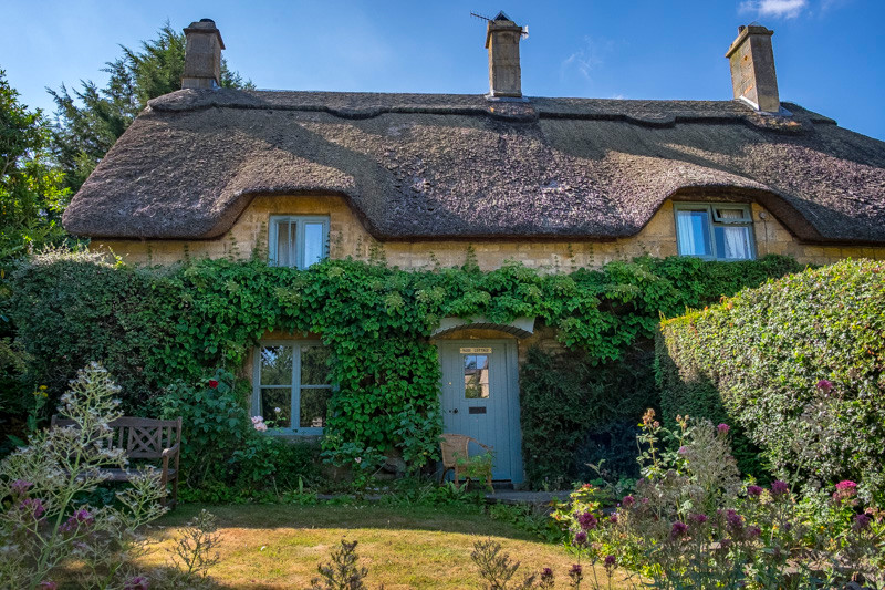 thatched house Cotswolds