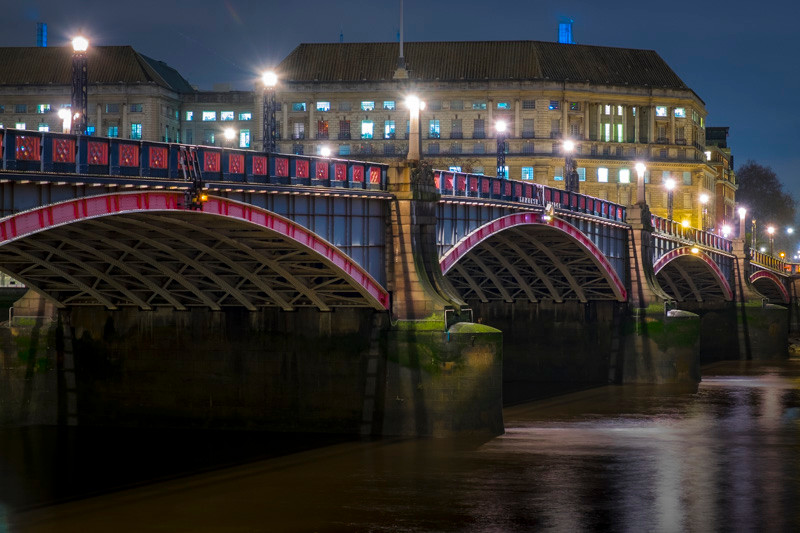 London at night photography tour Lambeth bridge