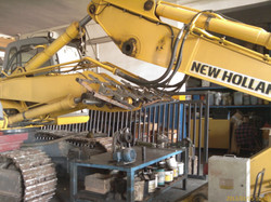 New Holland E245.jpg alt