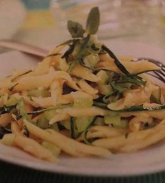 Strozzapreti con zucchine limone e menta