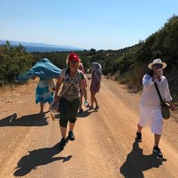 Çok güzel bir toprak yolda 3,5 km yürüyüş