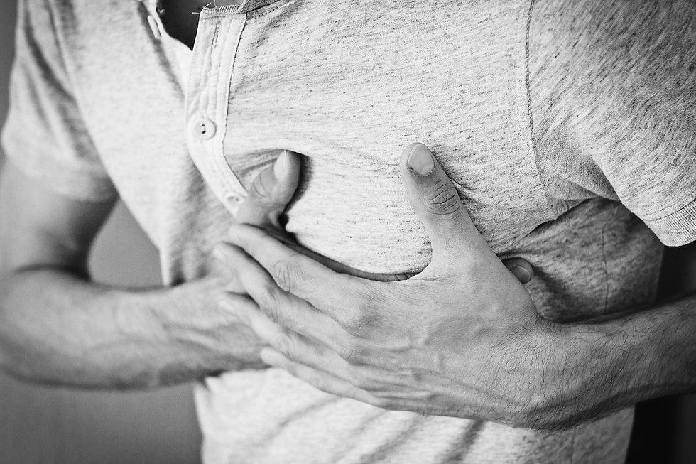 ¿Cómo ayudar cuando una persona sufre un infarto?