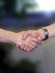 handshake-733239_1920.jpg