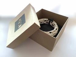 Wave bangle packaging