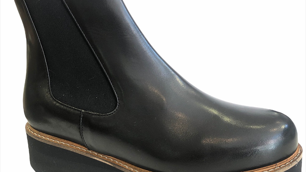 Boots Myma