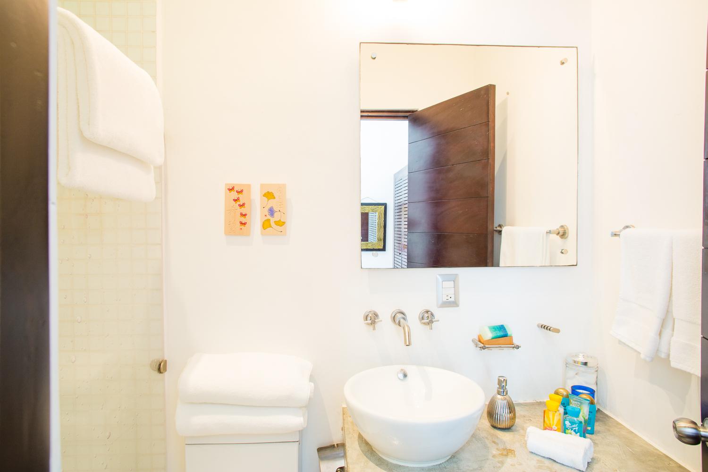 Retreat House Suite 2 Bano