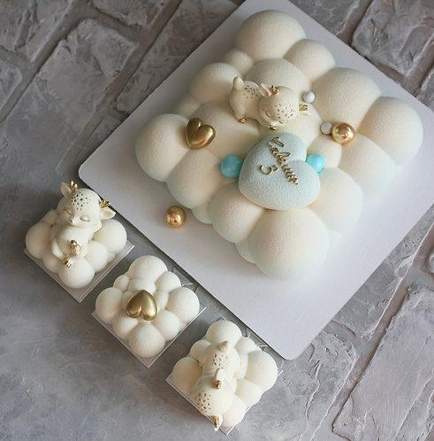 Набор на 12 человек: торт 1,5кг+3 пирожных