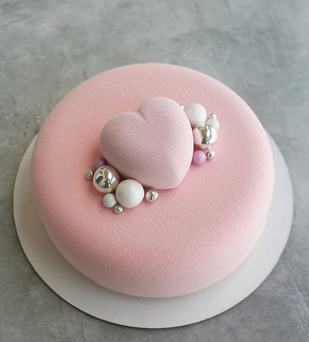 Торт на 6-8 человек с маленьким сердцем