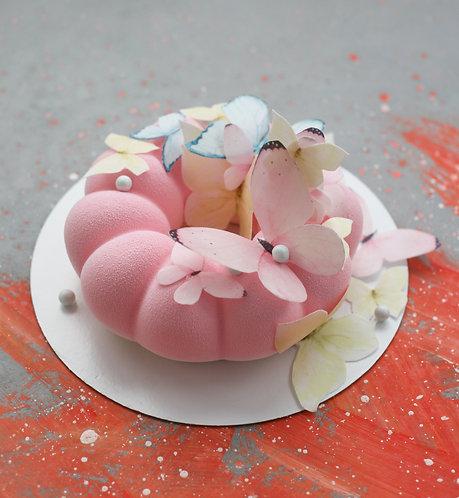 Торт-Бублик на 5-10 человек с вафельными бабочками