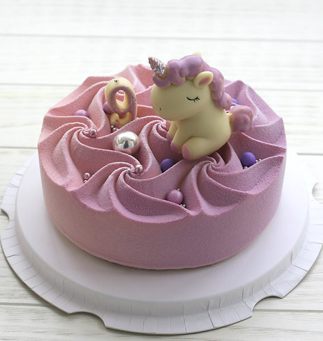 Детский торт на 6-8 человек со зверушкой