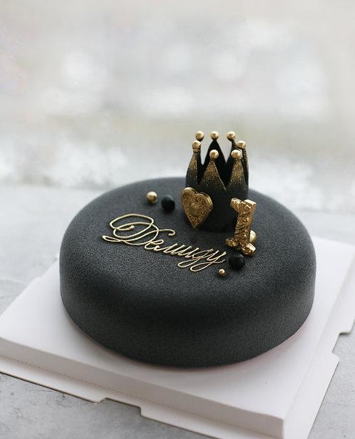 Торт на 6-8 человек с короной