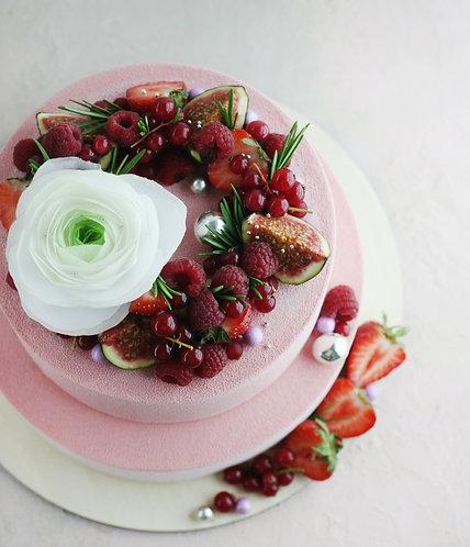 Свадебный с ягодныи венком на 20-24 человека