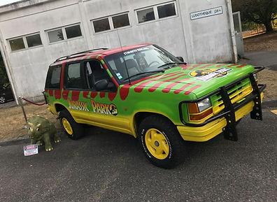 Ford Explorer Jurassic Park Location Barricade France