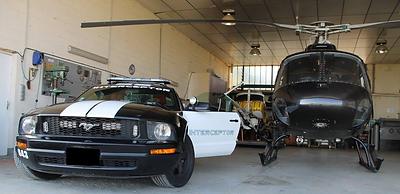 Photo accompagnée d'un hélicoptère du SWAT